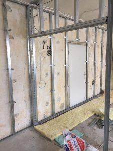 Проект реконструкция на офис преградна стена бургас